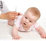 poza bebe la medic